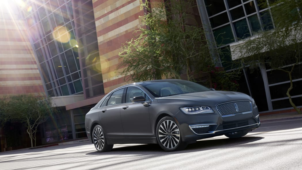 2017 lincoln mkz front outside