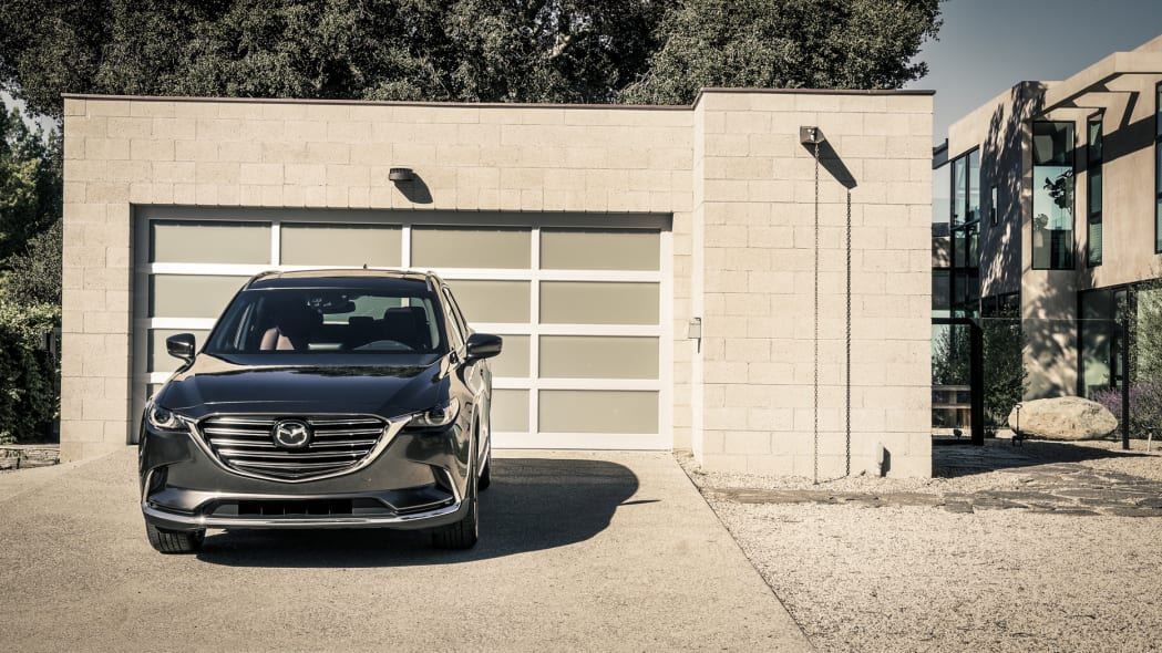 2017 mazda cx-9 garage front parked
