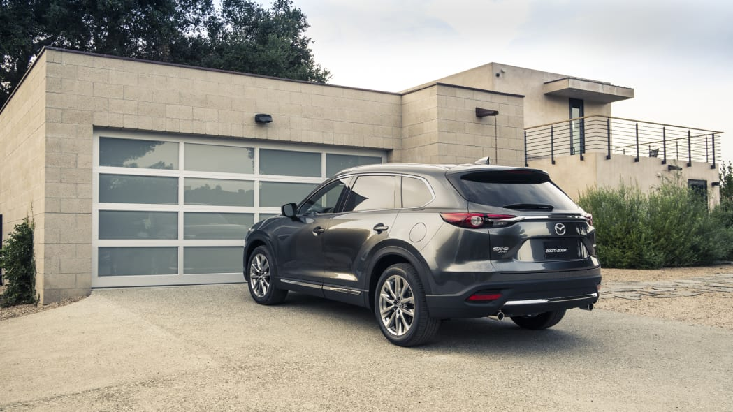 mazda cx-9 2017 garage parked rear tailights