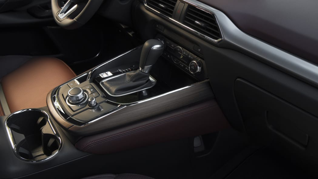 shifter leather mazda cx-9 2017 cabin