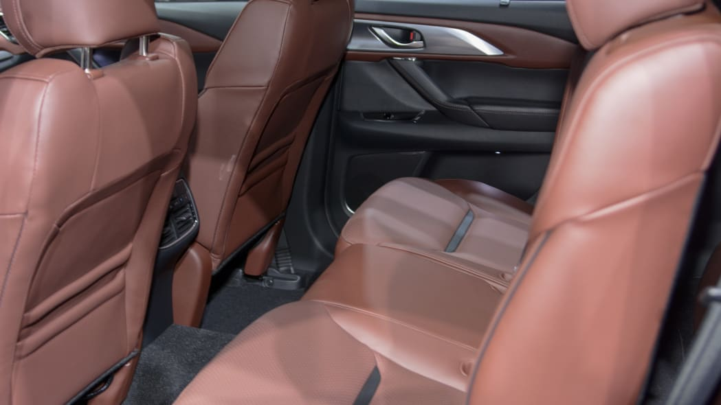2017 mazda cx-9 backseats