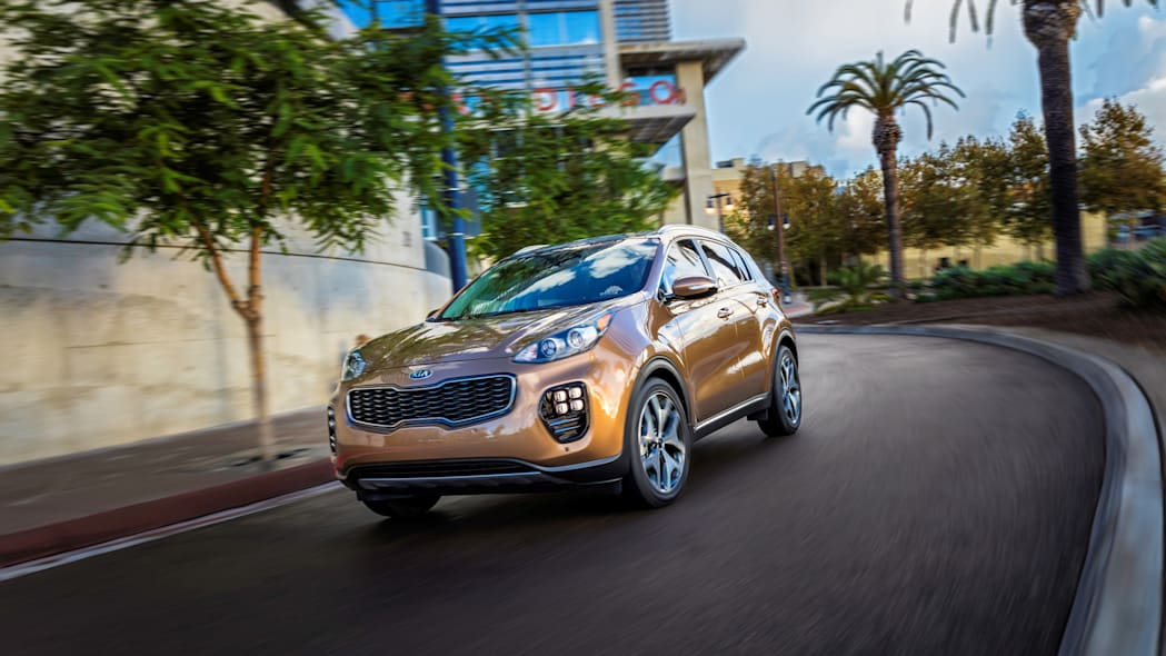 2017 kia sportage action speed turning