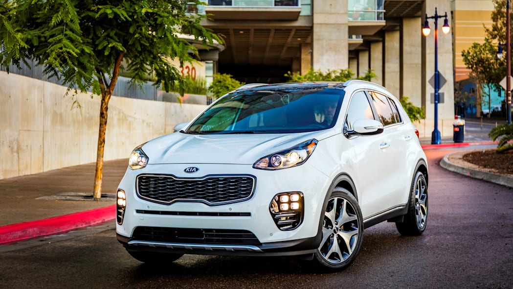 official 2017 kia sportage front parked
