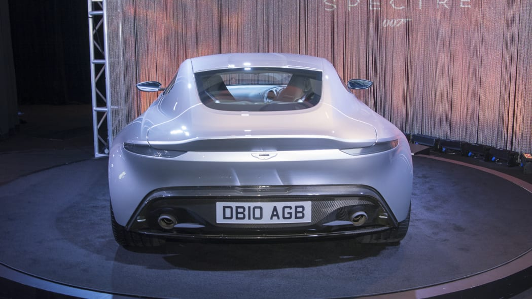 aston martin db10 coupe tail spectre 007
