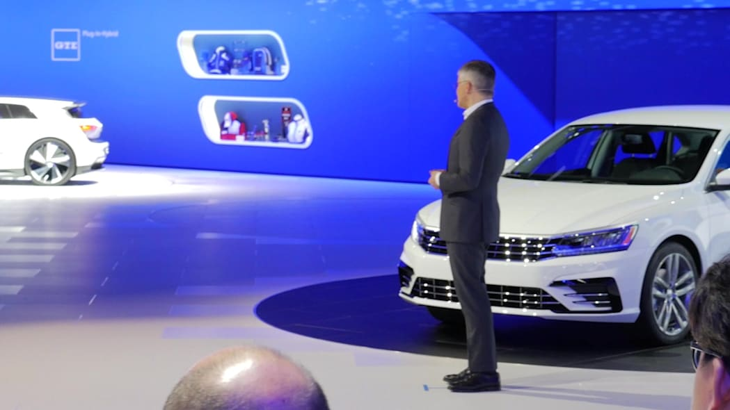VW CEO Michael Horn at the 2015 LAAS | Autoblog Short Cuts