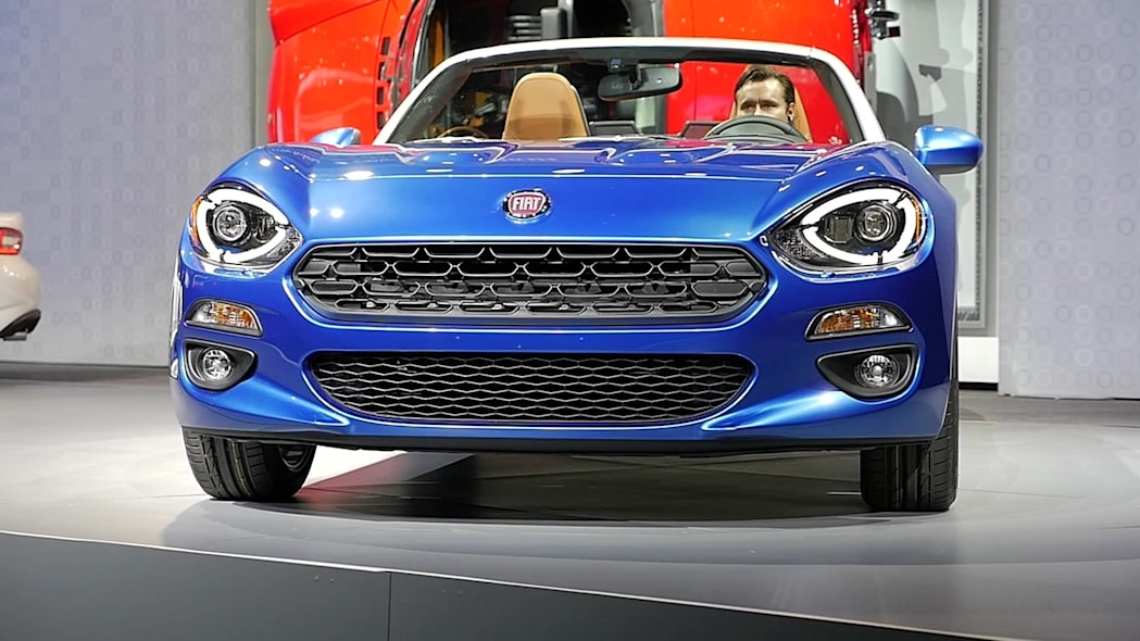 2017 Fiat 124 Spider | LAAS 2015 | Beauty-Roll