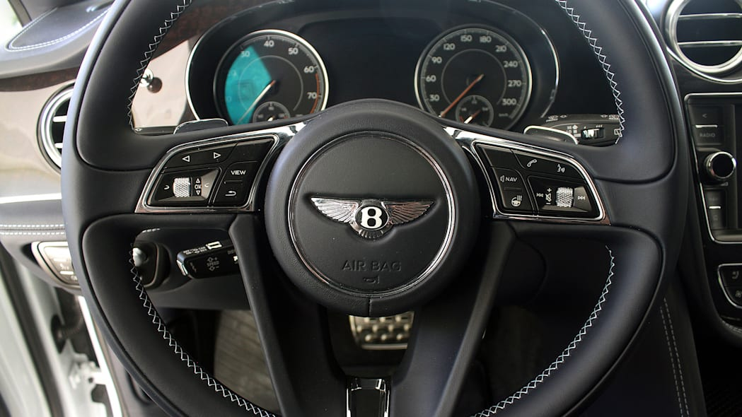 2016 Bentley Bentayga steering wheel