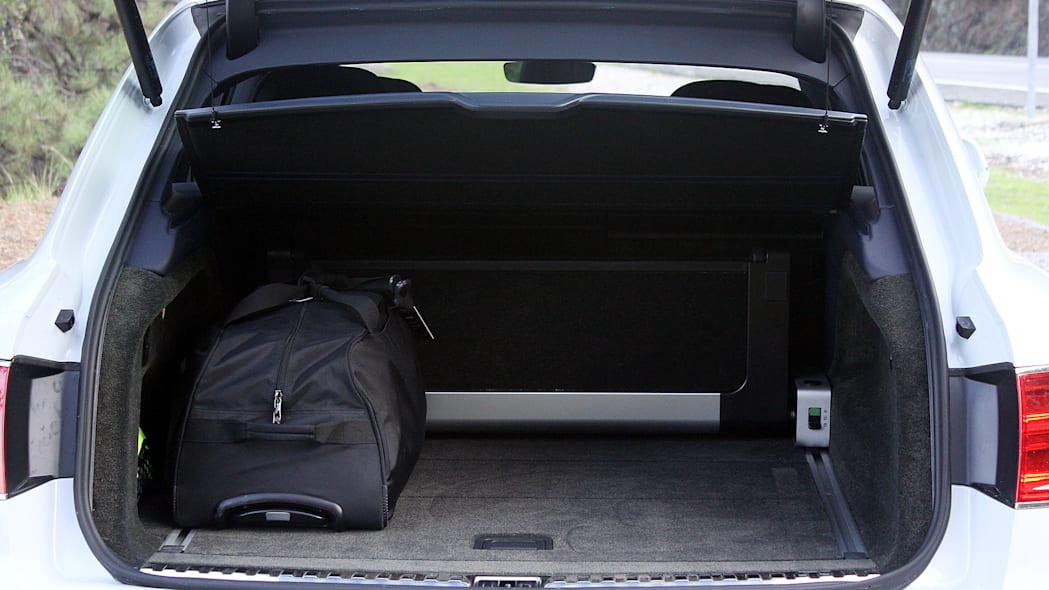 2016 Bentley Bentayga rear cargo area