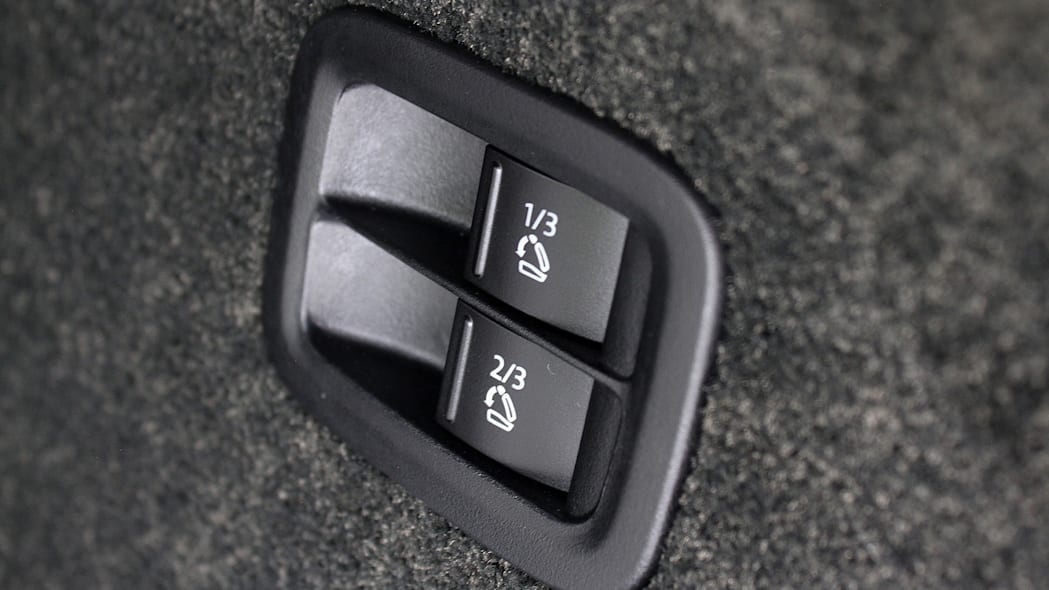 2016 Bentley Bentayga automatic seat adjusters