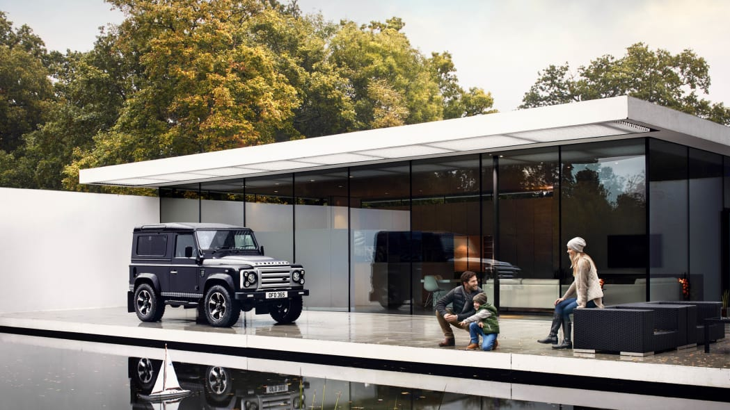 Overfinch Land Rover Defender 40th Anniversary Edition front 3/4 house