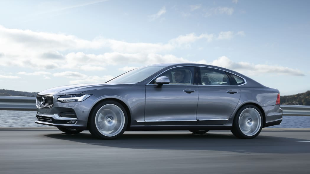 2017 Volvo S90 moving front 3/4