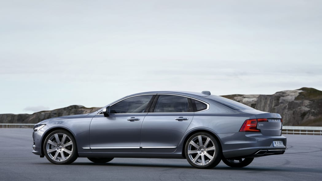 2017 Volvo S90 location outdoors rear 3/4