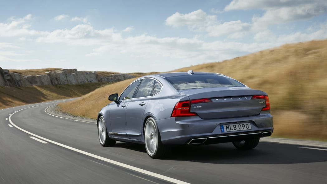 2017 Volvo S90 moving rear 3/4
