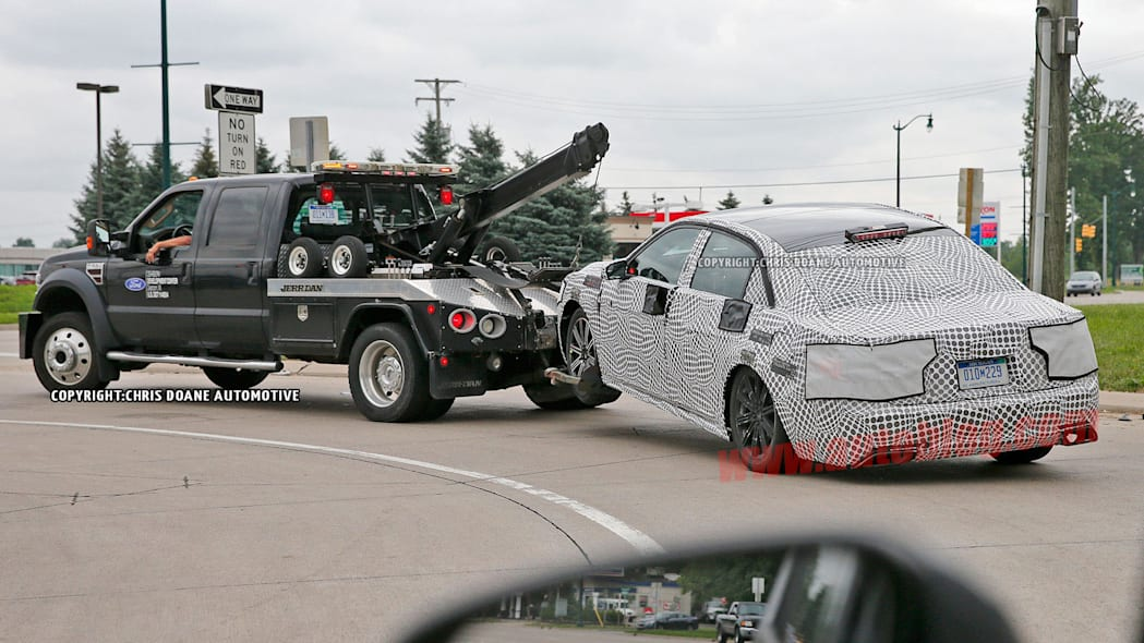 tow truck lincoln continental spy shot