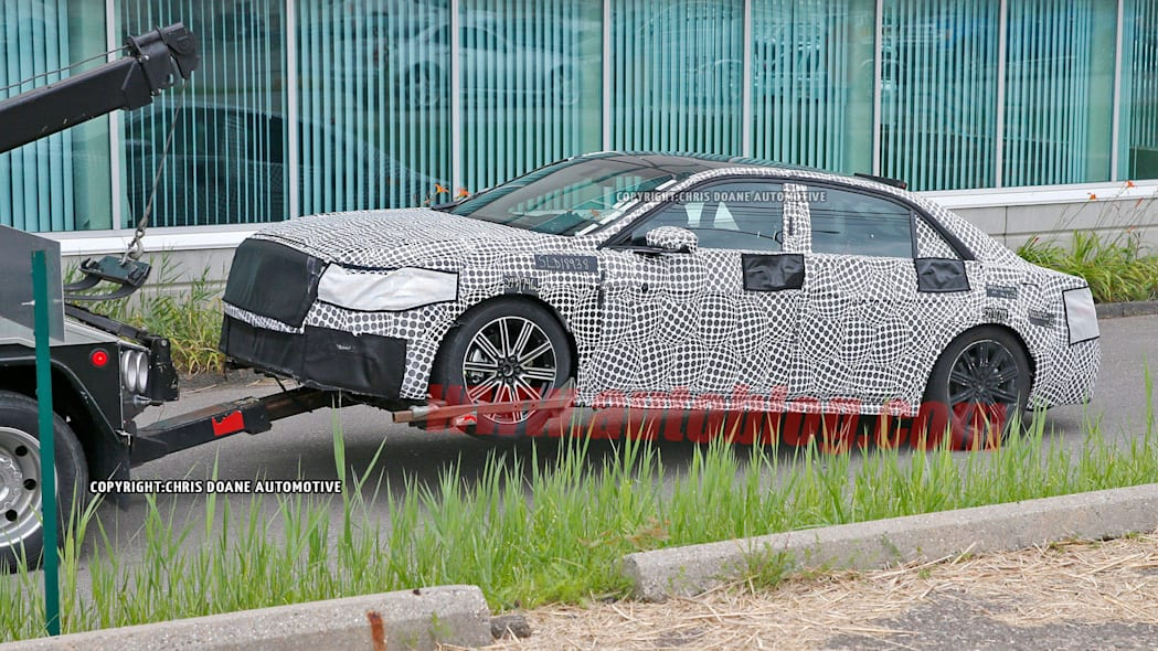 camouflage lincoln continental tow truck broken