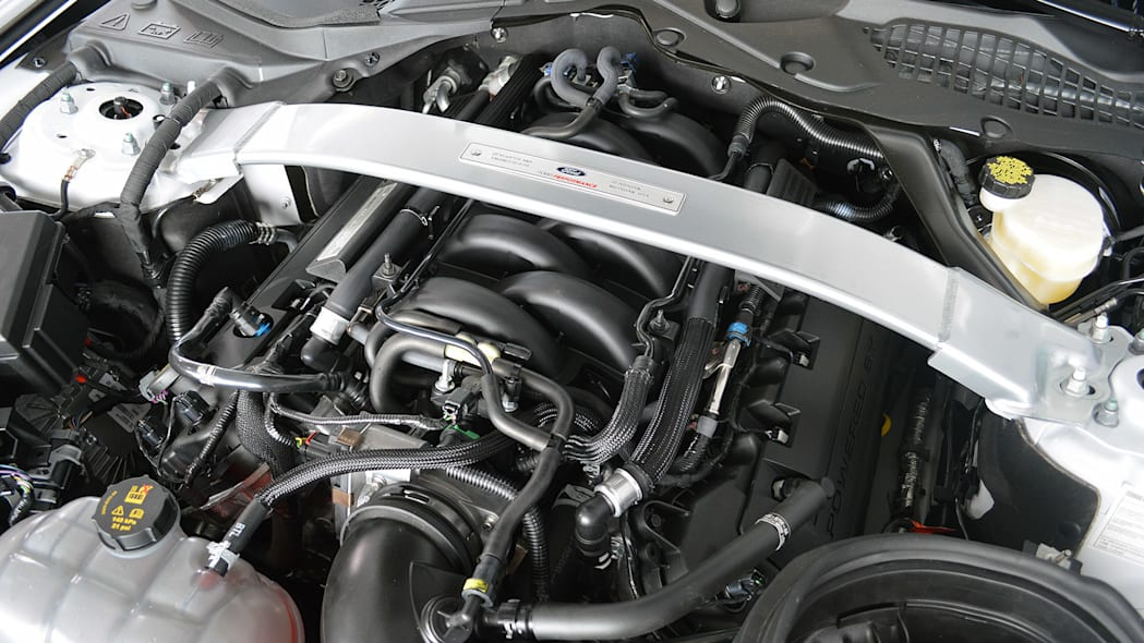 5.2L DOHC V-8 (Ford Shelby GT350 Mustang)