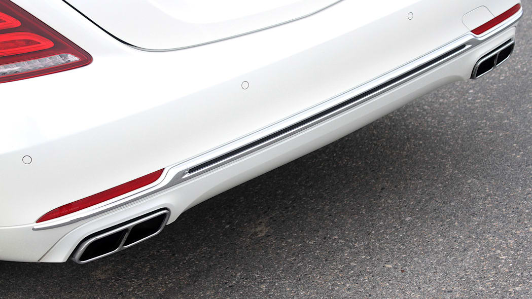 2016 Mercedes-Maybach S600 rear fascia