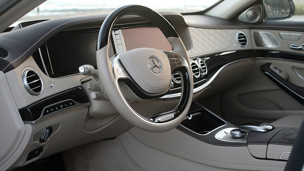2016 Mercedes-Maybach S600 interior