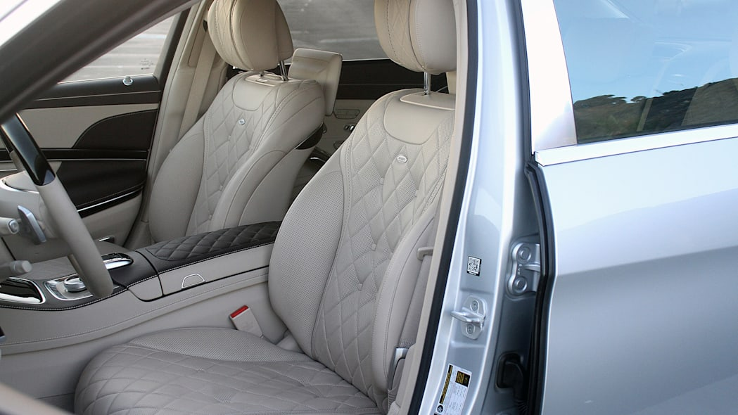 2016 Mercedes-Maybach S600 front seats
