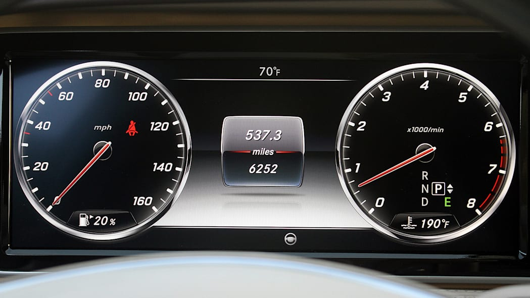 2016 Mercedes-Maybach S600 gauges