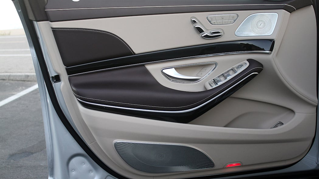 2016 Mercedes-Maybach S600 door