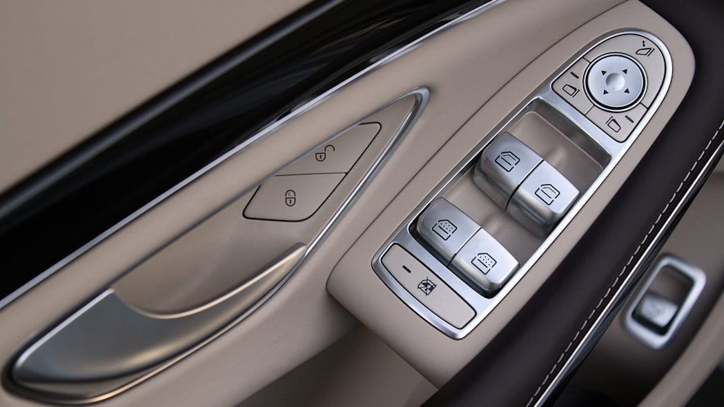2016 Mercedes-Maybach S600 door controls