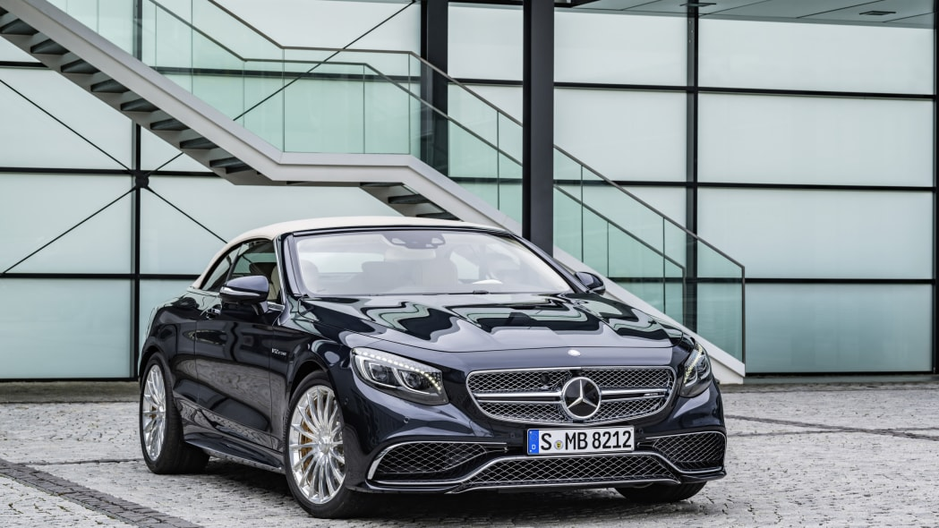 Mercedes-AMG S65 Cabriolet roof up front 3/4 static