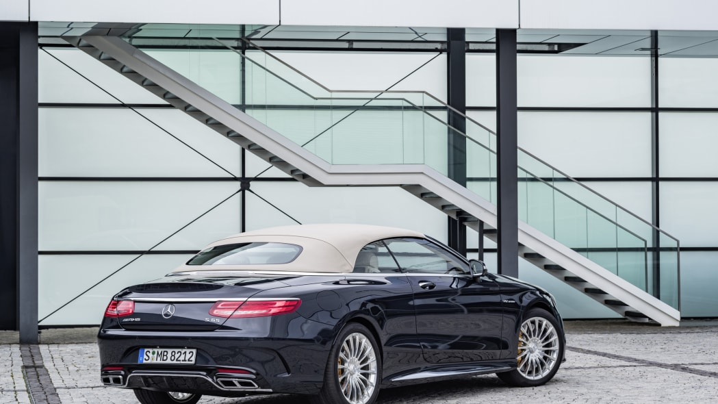 Mercedes-AMG S65 Cabriolet roof up rear 3/4 static