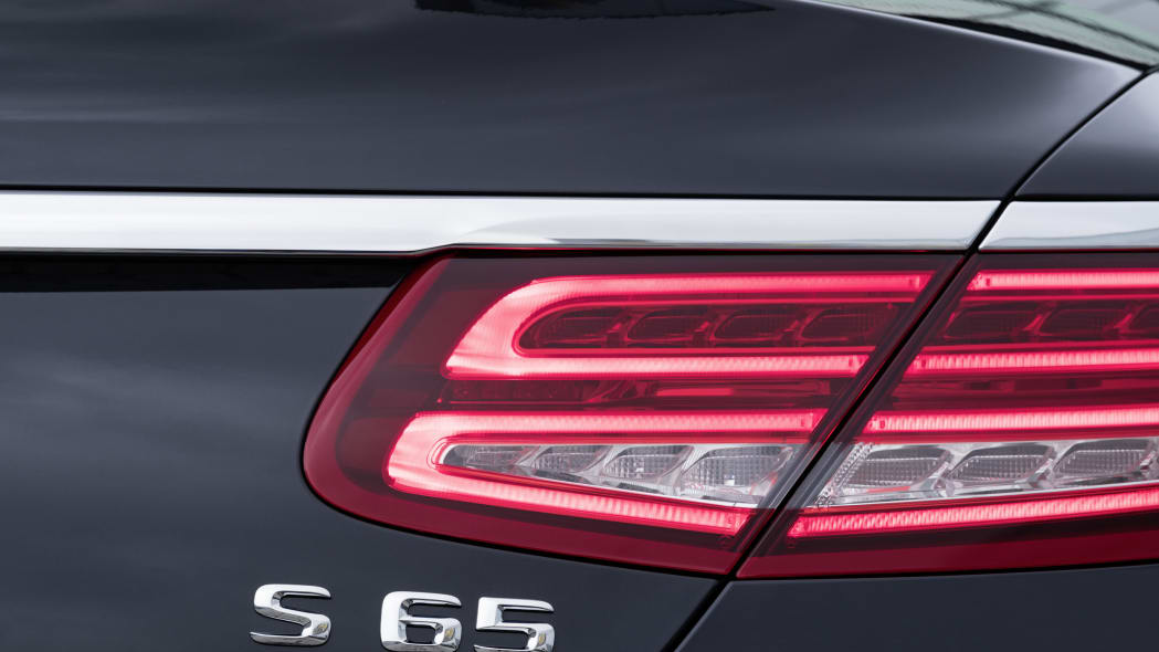 Mercedes-AMG S65 Cabriolet rear detail