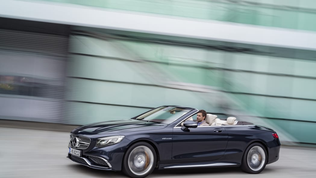 Mercedes-AMG S65 Cabriolet action