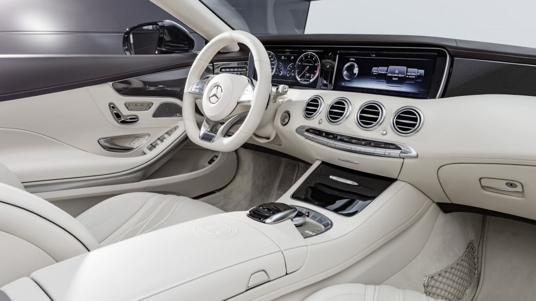 Mercedes-AMG S65 Cabriolet cabin