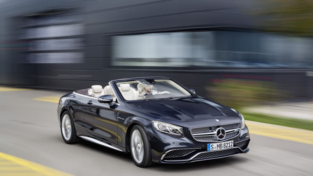 Mercedes-AMG S65 Cabriolet front 3/4 motion