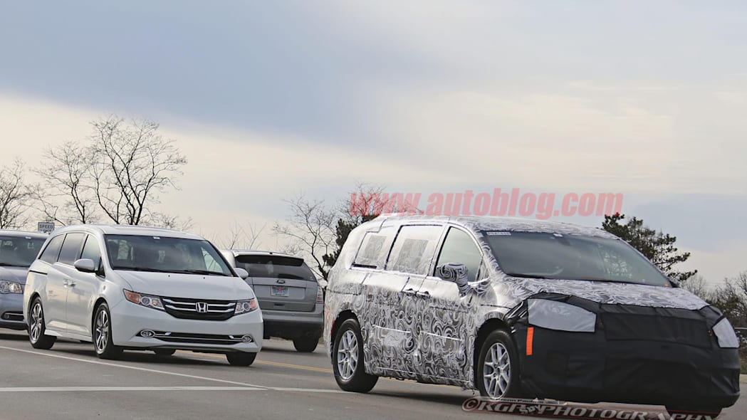 2017 chrysler town and country with odyssey