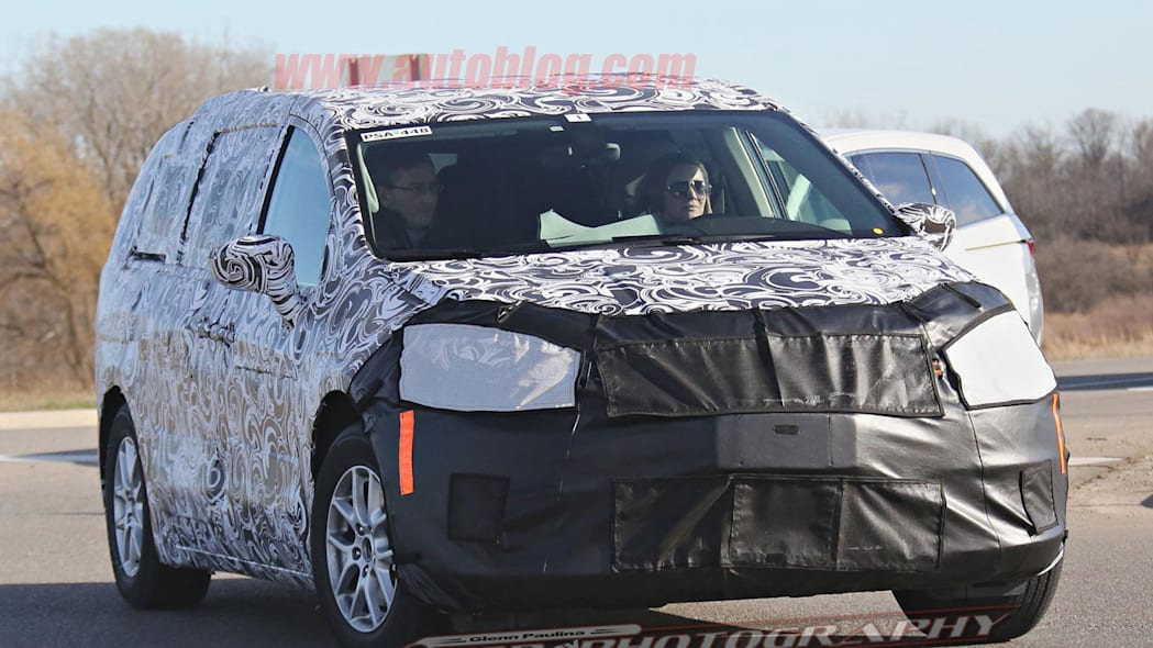 2017 chrysler town and country front end