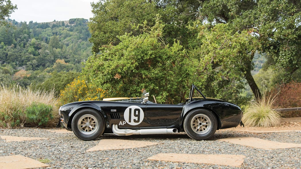 1965 Shelby 427 Competition Cobra profile