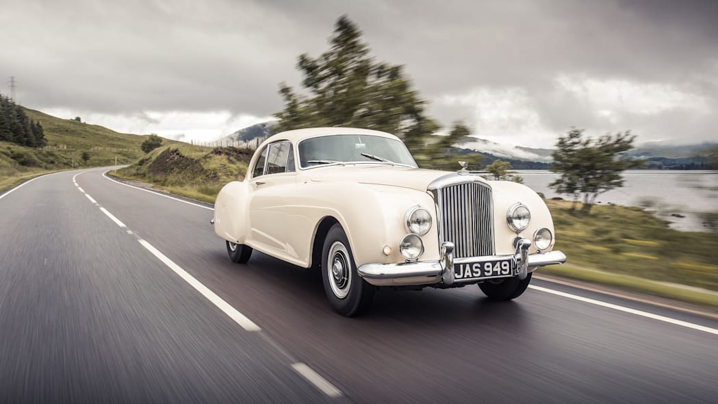 1952 Bentley Continental R-Type front 3/4 motion