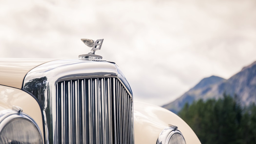 1952 Bentley Continental R-Type grille ornament