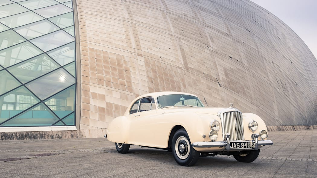 1952 Bentley Continental R-Type front 3/4 backdrop location