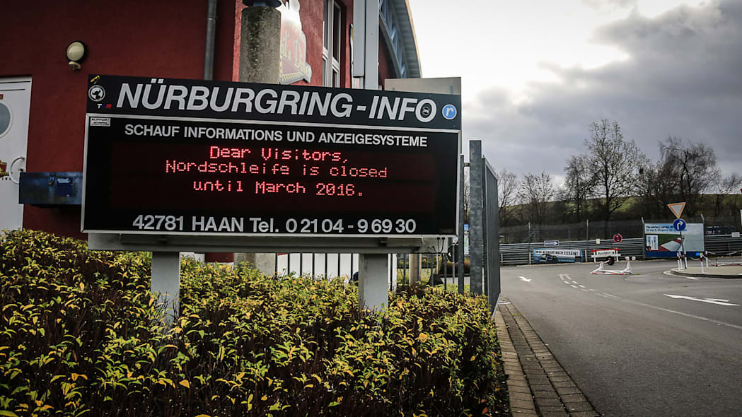 2016 nurburgring lap time record sign