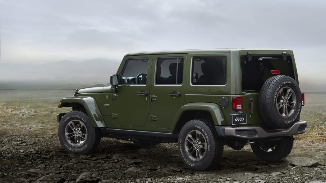 2016 Jeep Wrangler Unlimited 75th Anniversary Edition rear 3/4