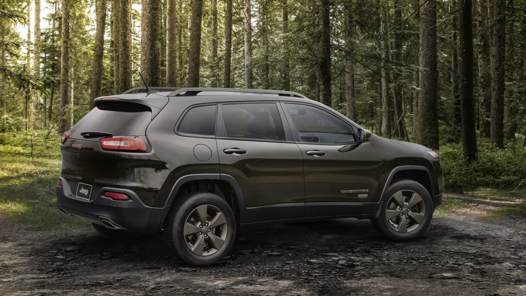 2016 Jeep Cherokee 75th Anniversary Edition rear 3/4
