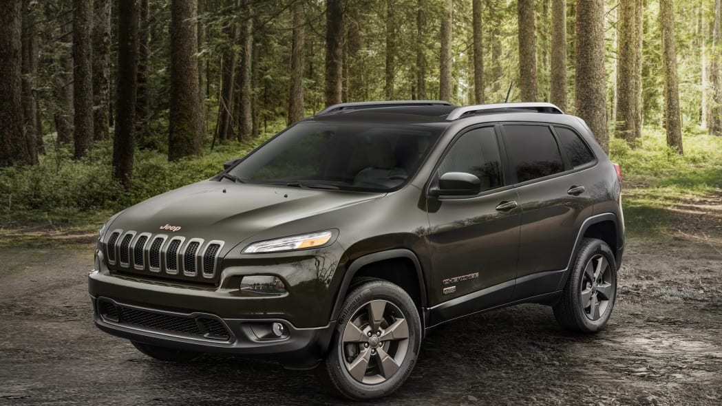 2016 Jeep Cherokee 75th Anniversary Edition front 3/4