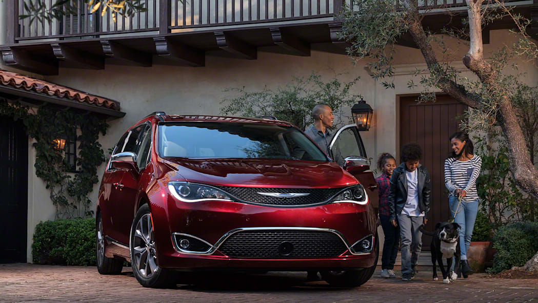 2017 Chrysler Pacifica is the new minivan