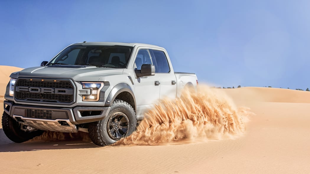 2017 Ford F-150 SVT Raptor SuperCrew off-road