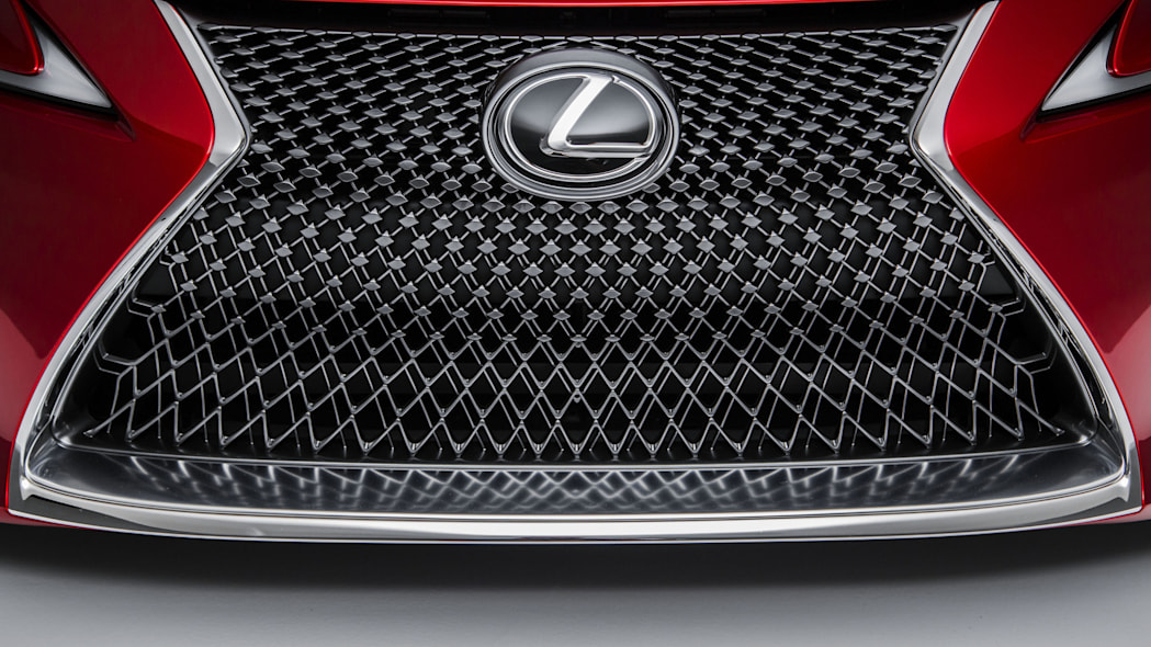 2017 lexus lc 500 spindle grille