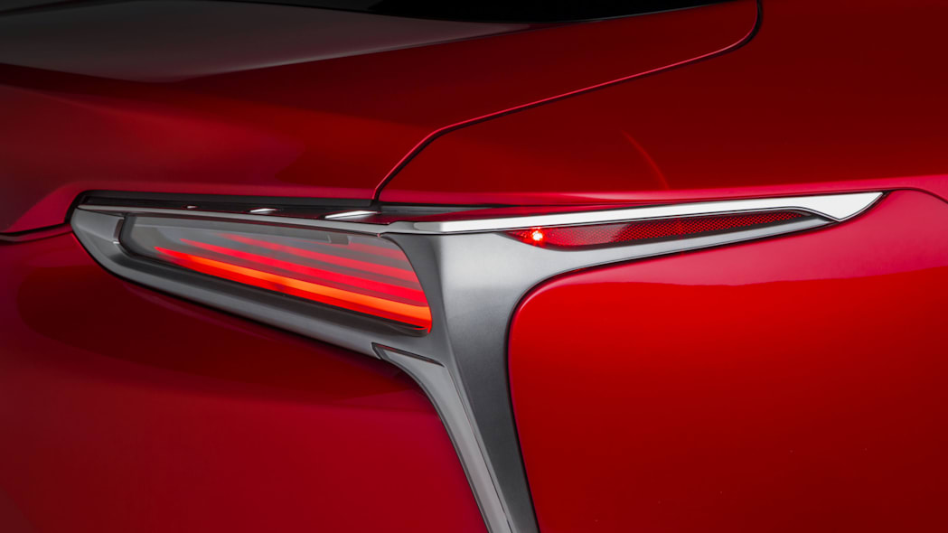 2017 lexus lc 500 coupe taillight