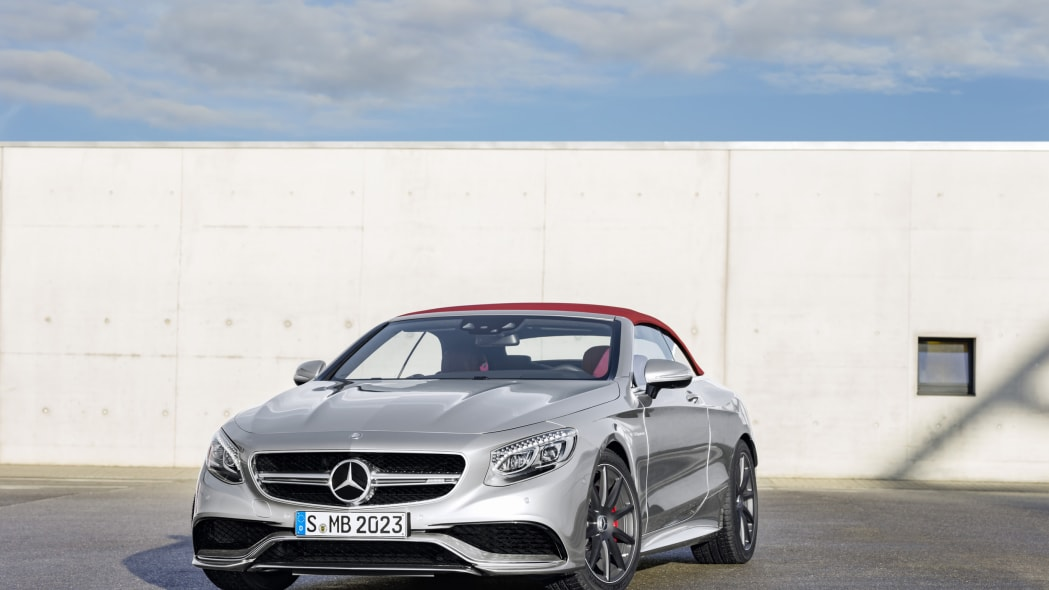 Mercedes-AMG S63 4Matic Cabriolet Edition 130 roof up front 3/4
