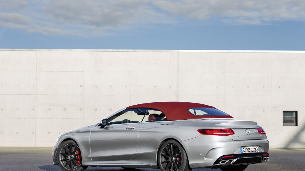 Mercedes-AMG S63 4Matic Cabriolet Edition 130 roof up rear 3/4