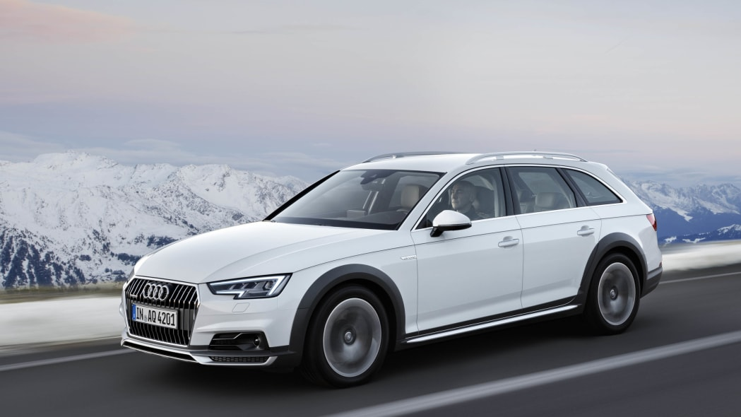 Audi A4 Allroad front 3/4 motion