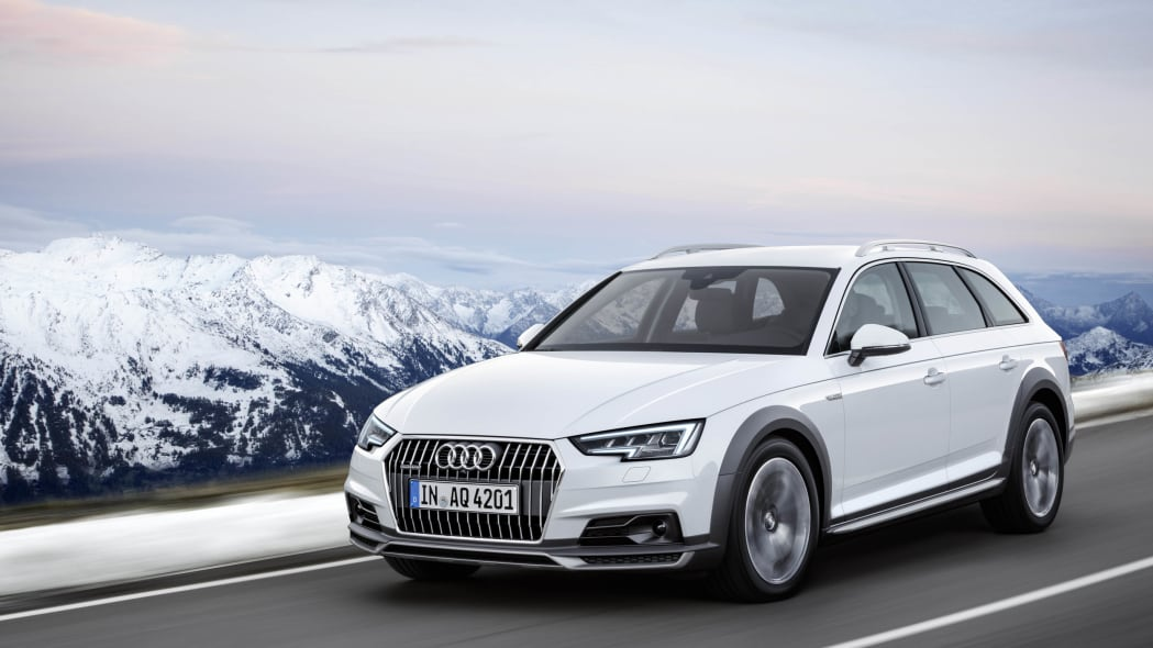 2017 Audi A4 Allroad front 3/4 motion